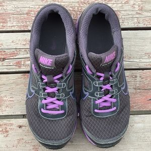 Nike Dual Fusion ST purple and gray sneaker